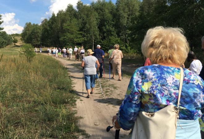 Cudze chwalicie, swego nie znacie – Seniorzy z młodzieńczym wigorem odkrywają Jurę Krakowsko-Częstochowską w ramach II Zjazdu Seniorów